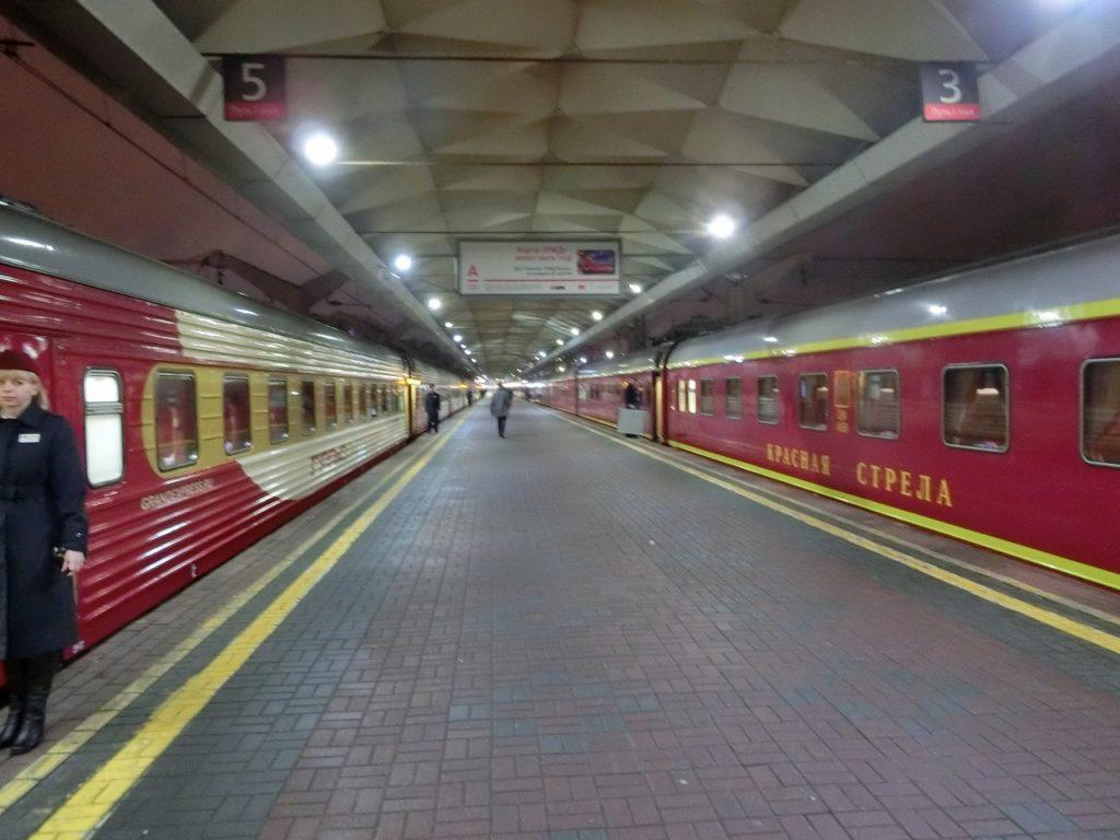 モスクワ駅の豪華寝台列車