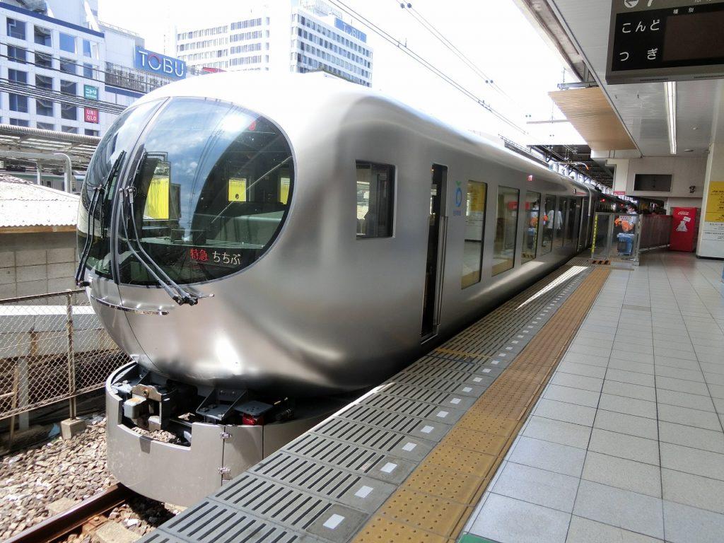 西武鉄道001系ラビュー