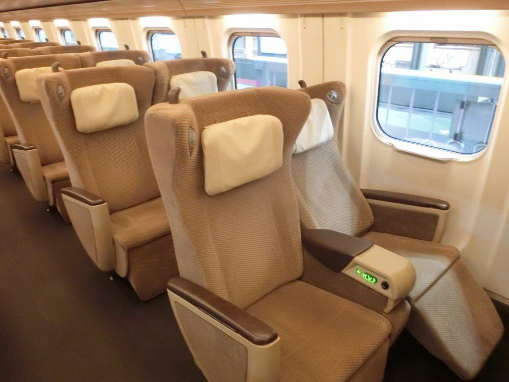 E5系グリーン車の座席