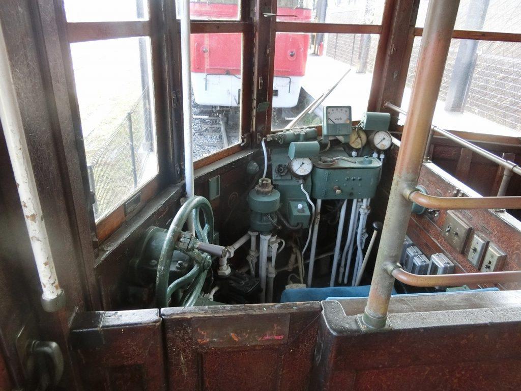 九州鉄道記念館のキハ07の運転台