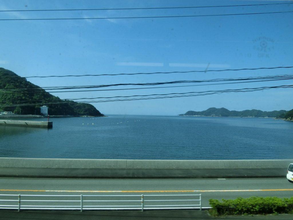 日豊本線の佐伯付近の車窓