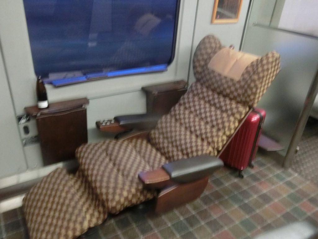 787系DXグリーン車の座席