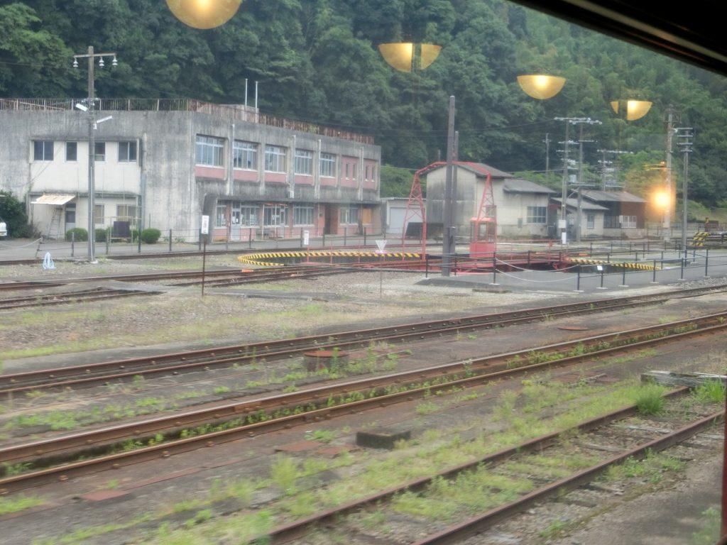 人吉駅の駅弁立ち売り。