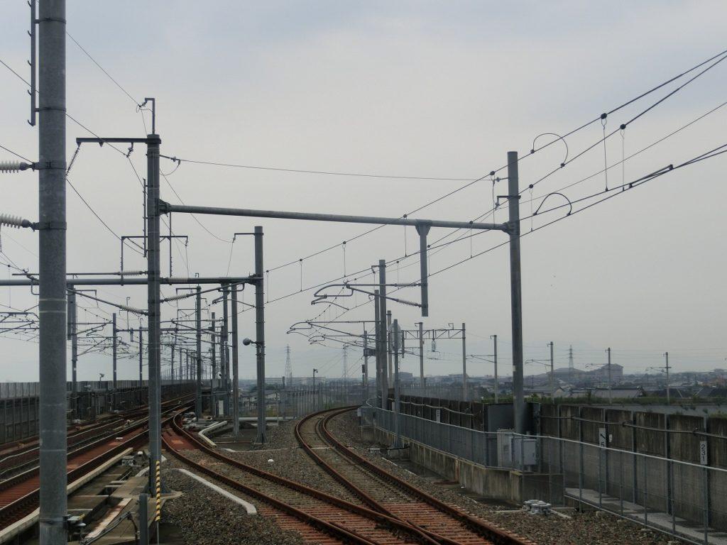 新八代駅の在来線から新幹線ホームへの連絡線。