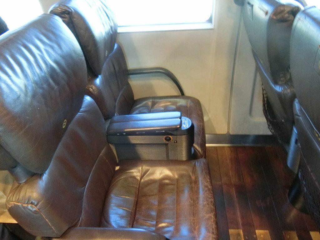 885系普通車の座席