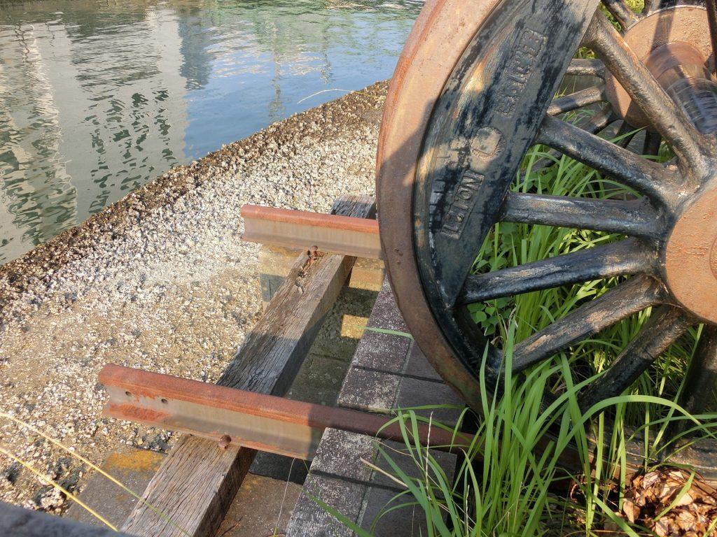長崎駅跡の車輪