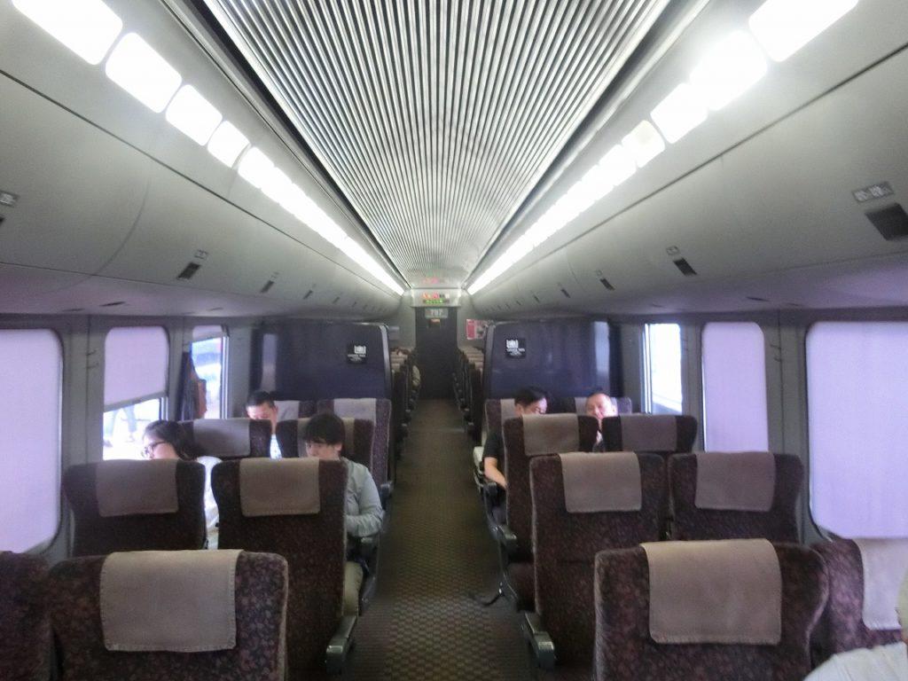 787系の普通車の車内