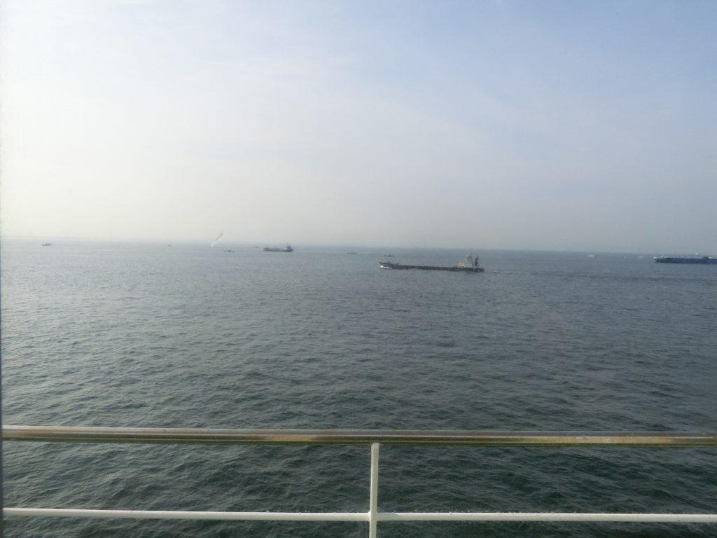 多数の船が行き交う瀬戸内海
