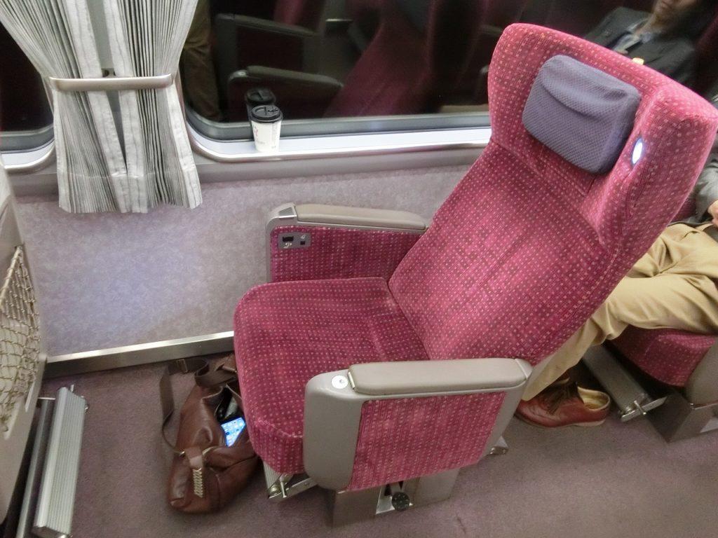 アーバンライナープラスのゆりかご型デラックスシート