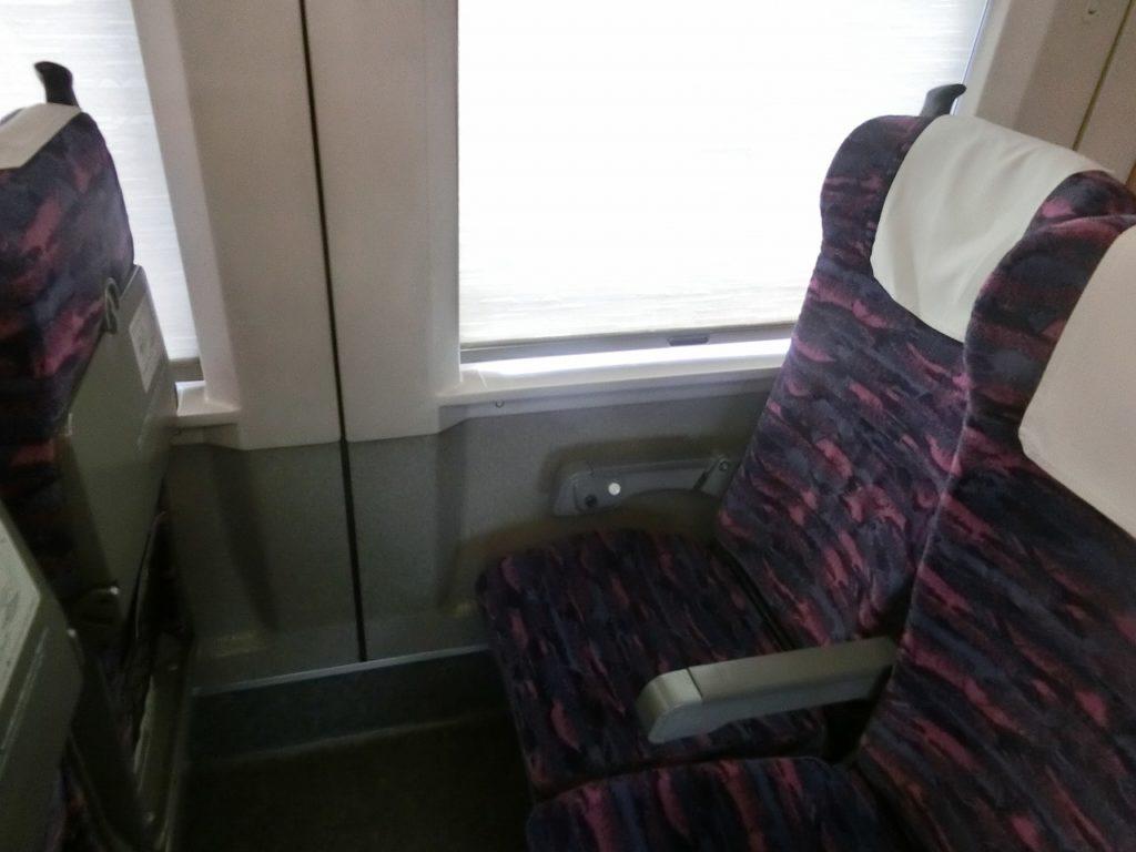 E2系の普通車の座席