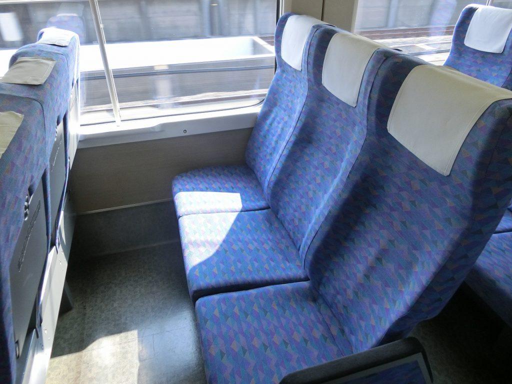 E4系の自由席の2階部分の座席