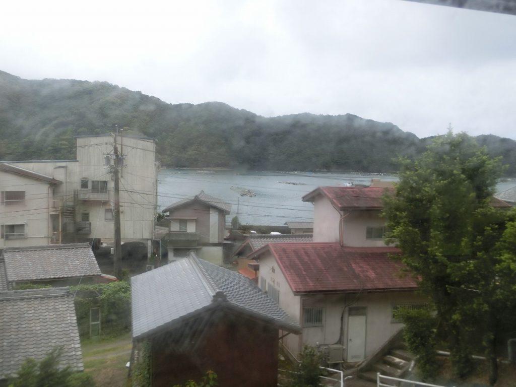 紀勢本線紀伊長島駅付近の車窓