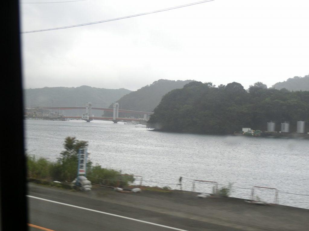 紀勢本線の紀伊長島駅付近の車窓