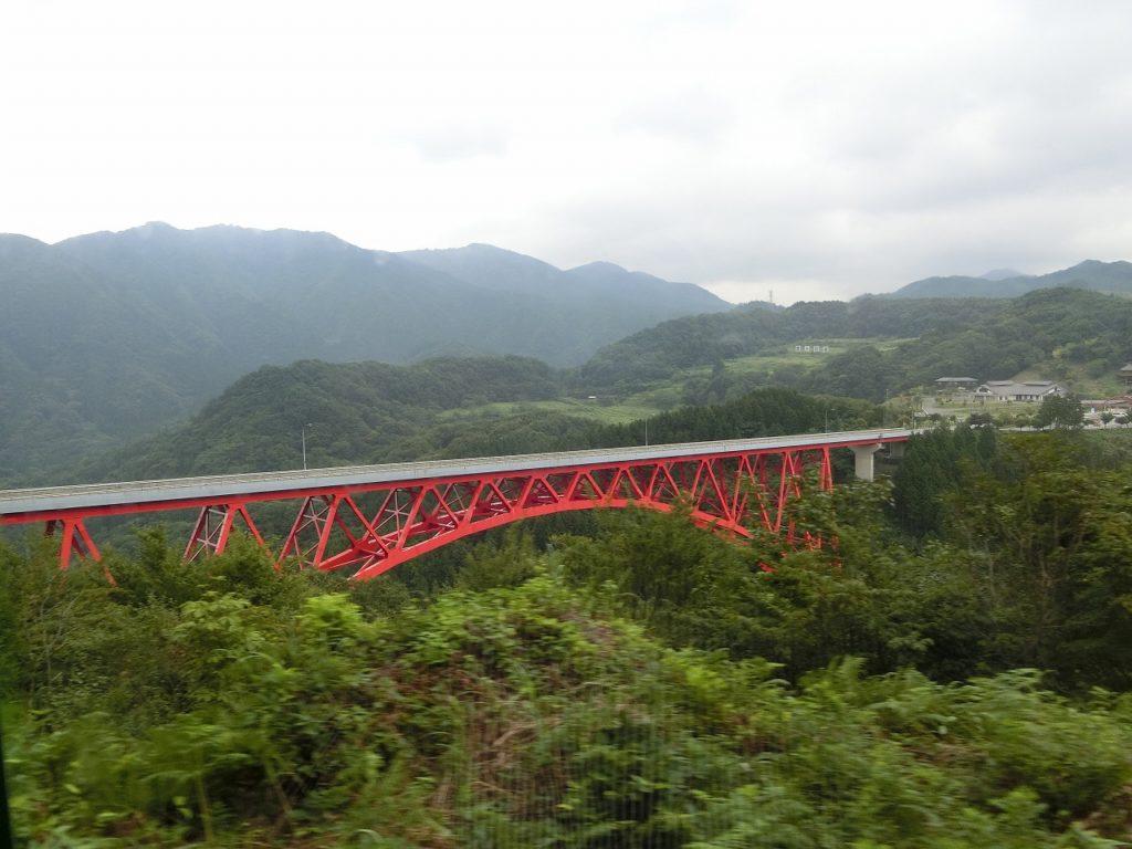 木次線の三井野原~出雲坂根間の車窓