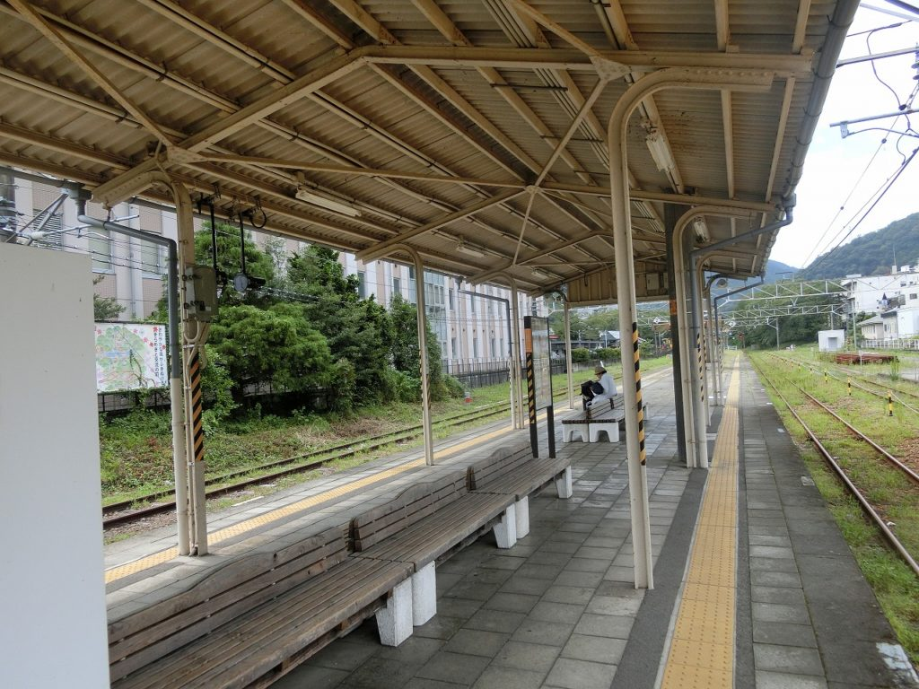 山北駅のホーム