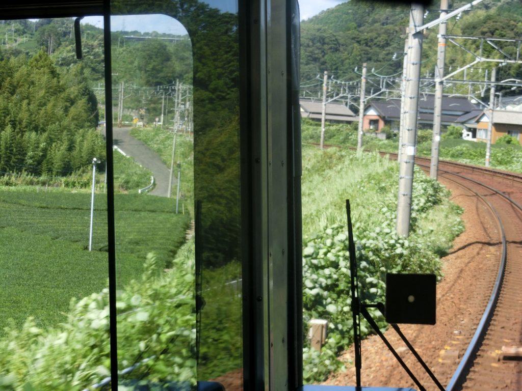 東海道本線の牧の原台地の車窓