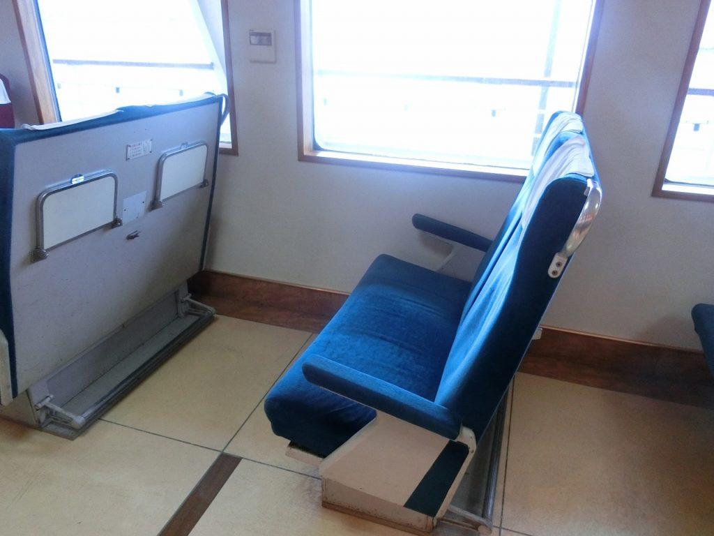 摩周丸の普通座席