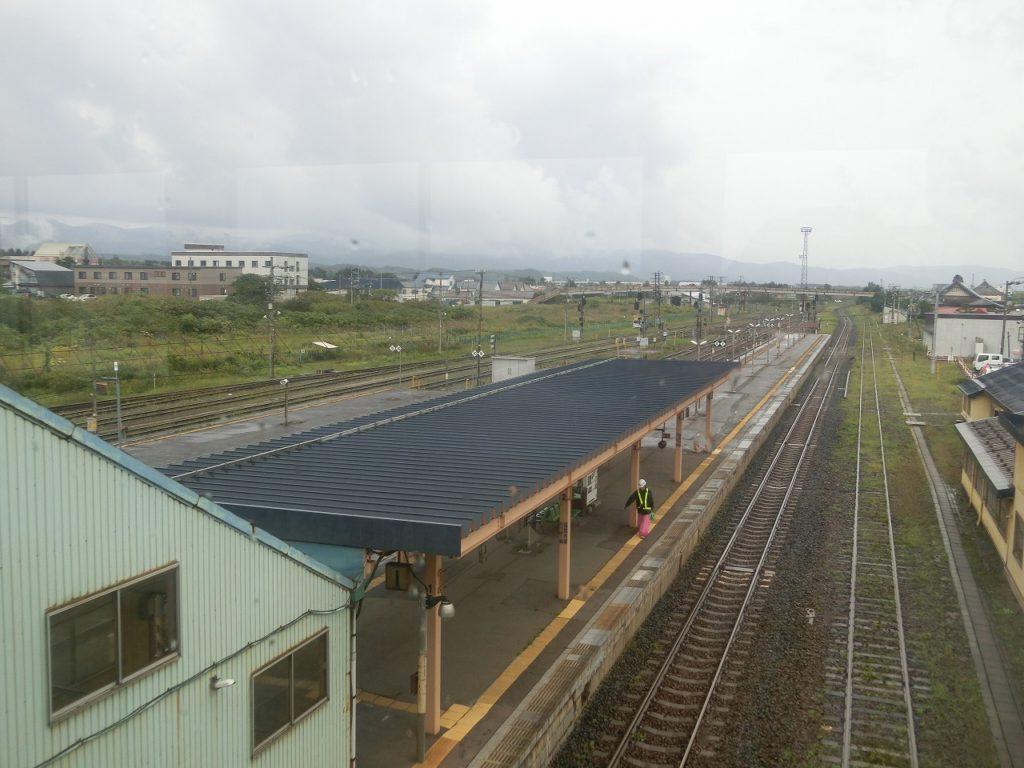 広い構内の長万部駅