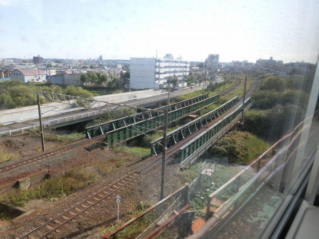 千歳線の白石を過ぎて函館本線と別れる