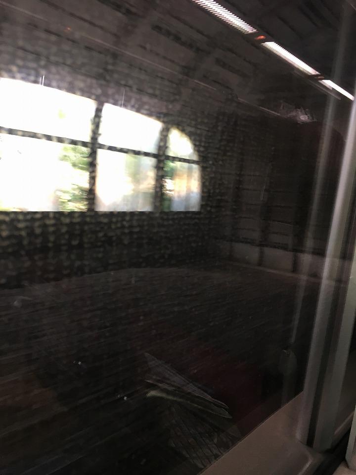 石勝線の信号場のスノーシェルター