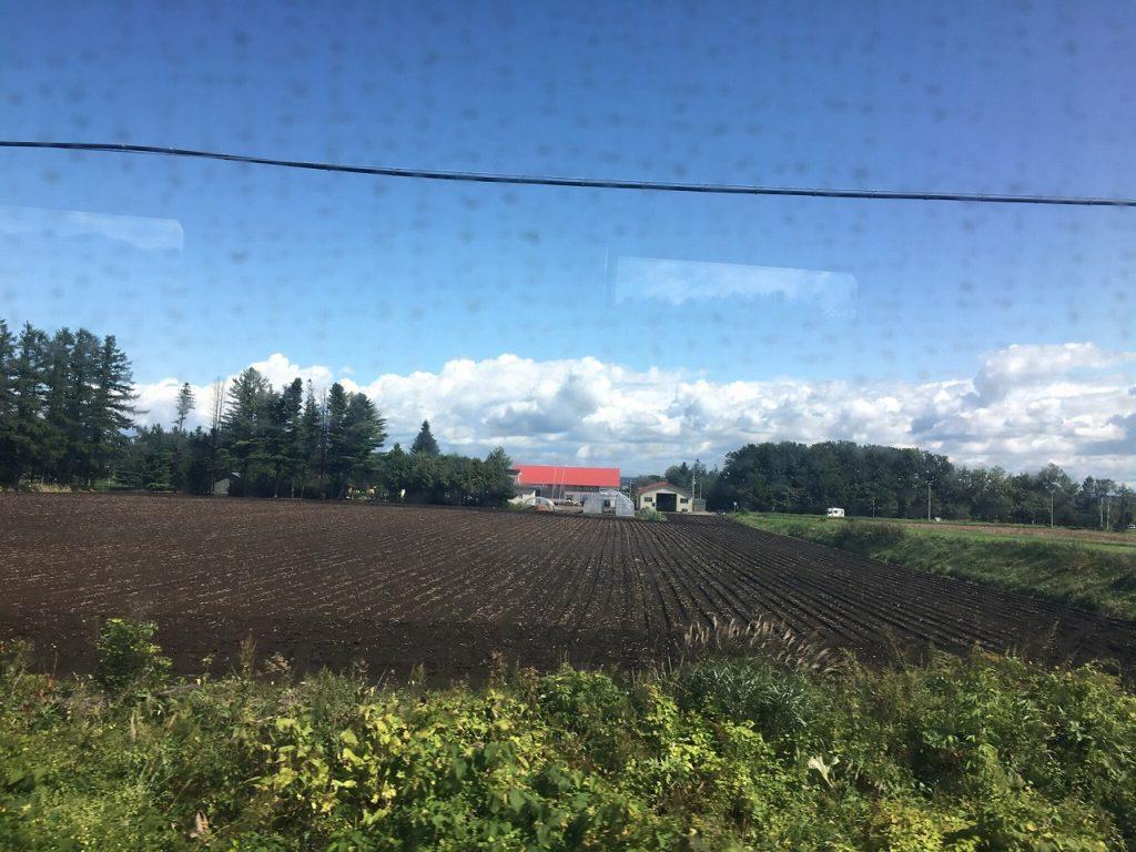 石勝線新得付近の車窓