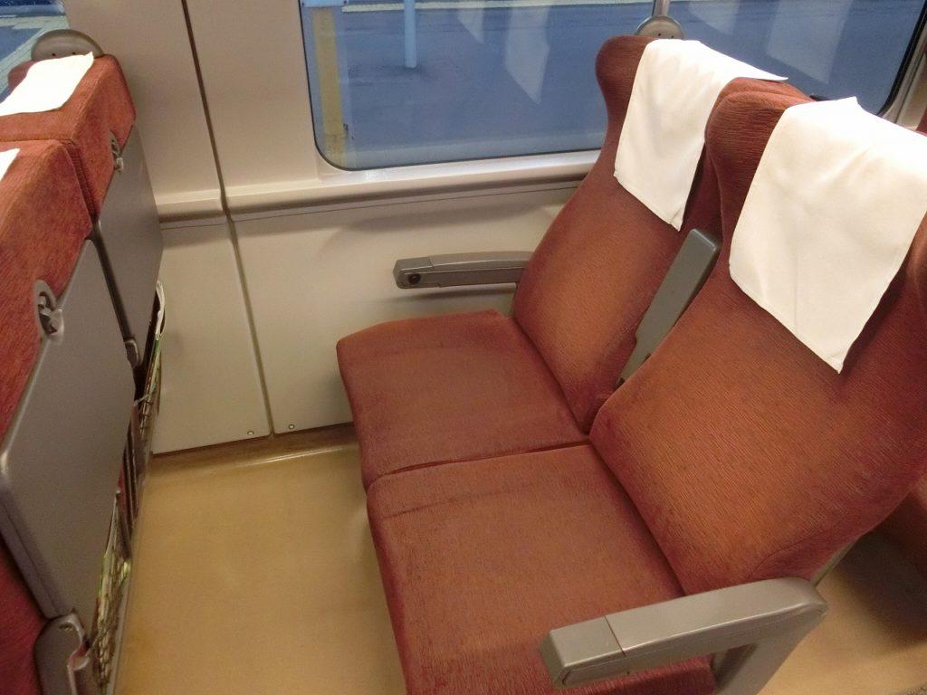 789系1000番台の自由席の座席