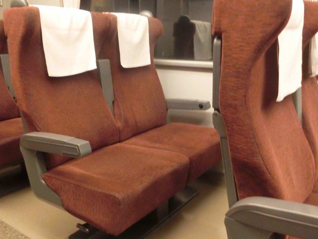 785系の自由席車両のリニューアルされた座席