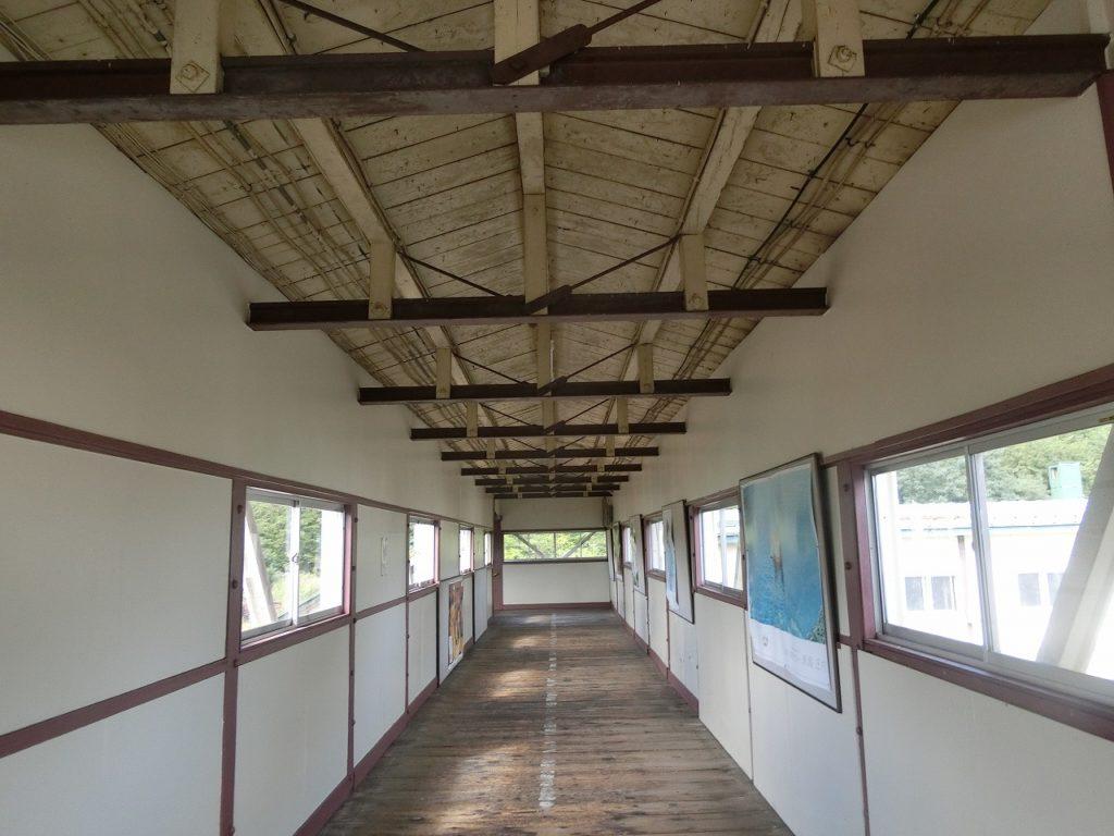 遠軽駅の跨線橋の通路