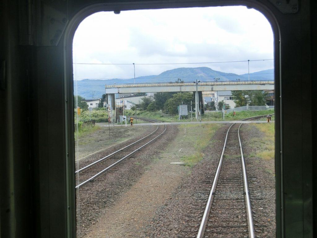 遠軽駅の近くのスイッチバック式の配線