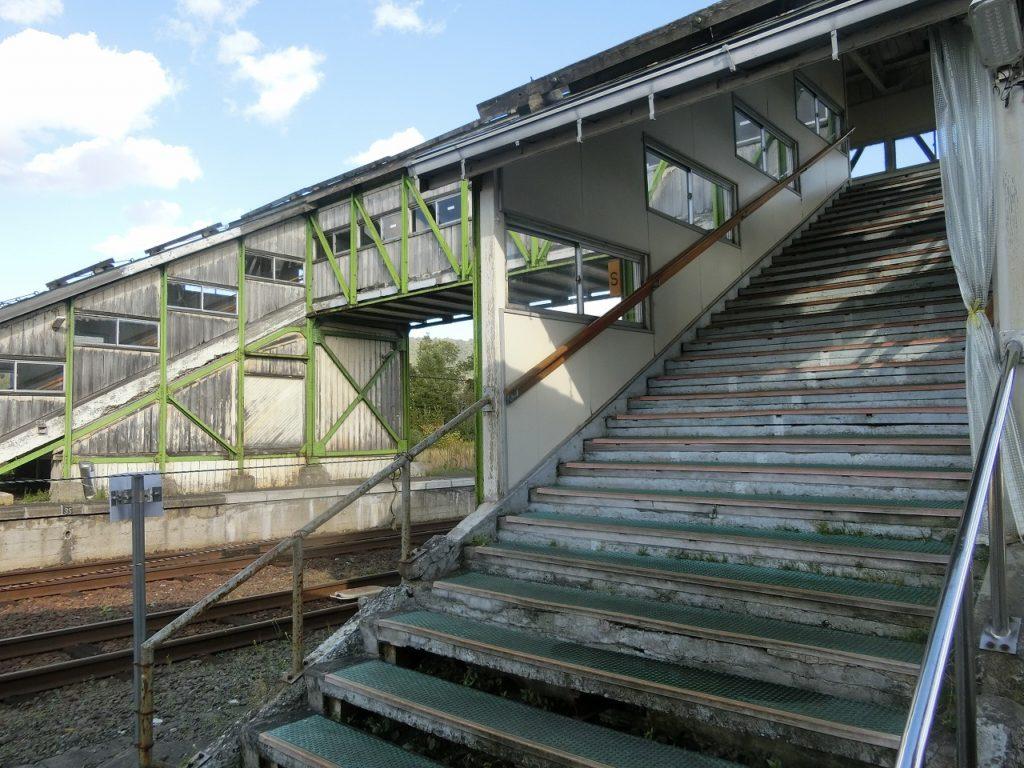音威子府駅の跨線橋