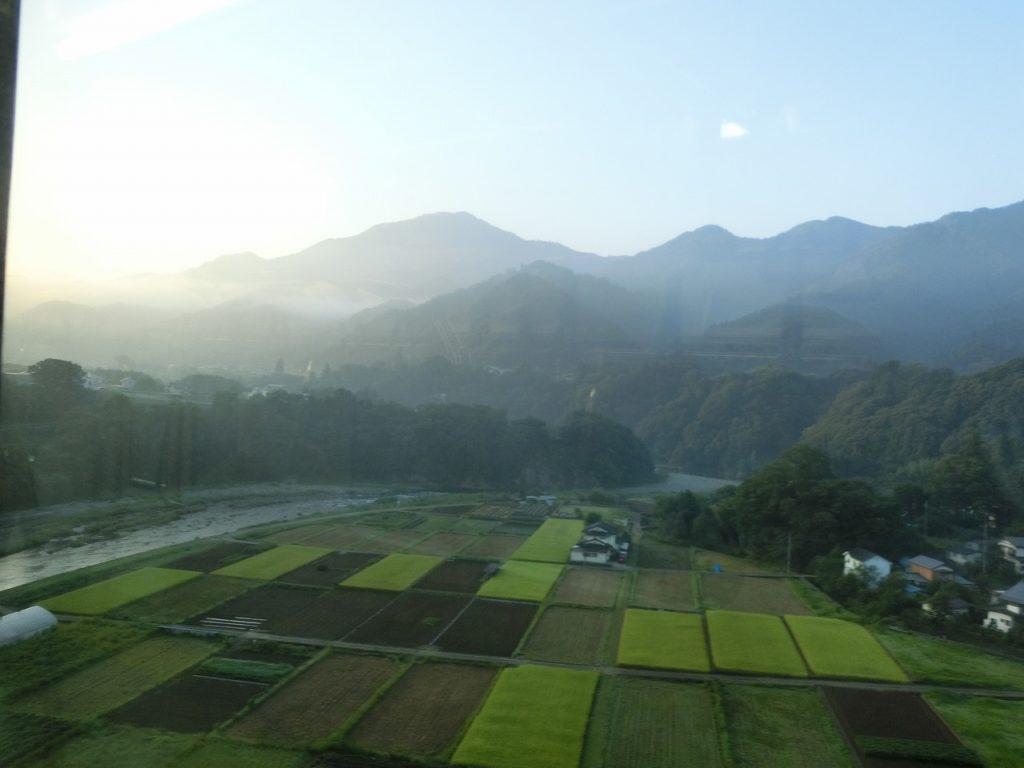 中央本線の鳥沢~猿橋間の新桂川橋梁からの眺め