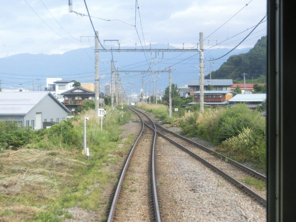 中央本線の茅野駅の先、普門寺信号で単線になる
