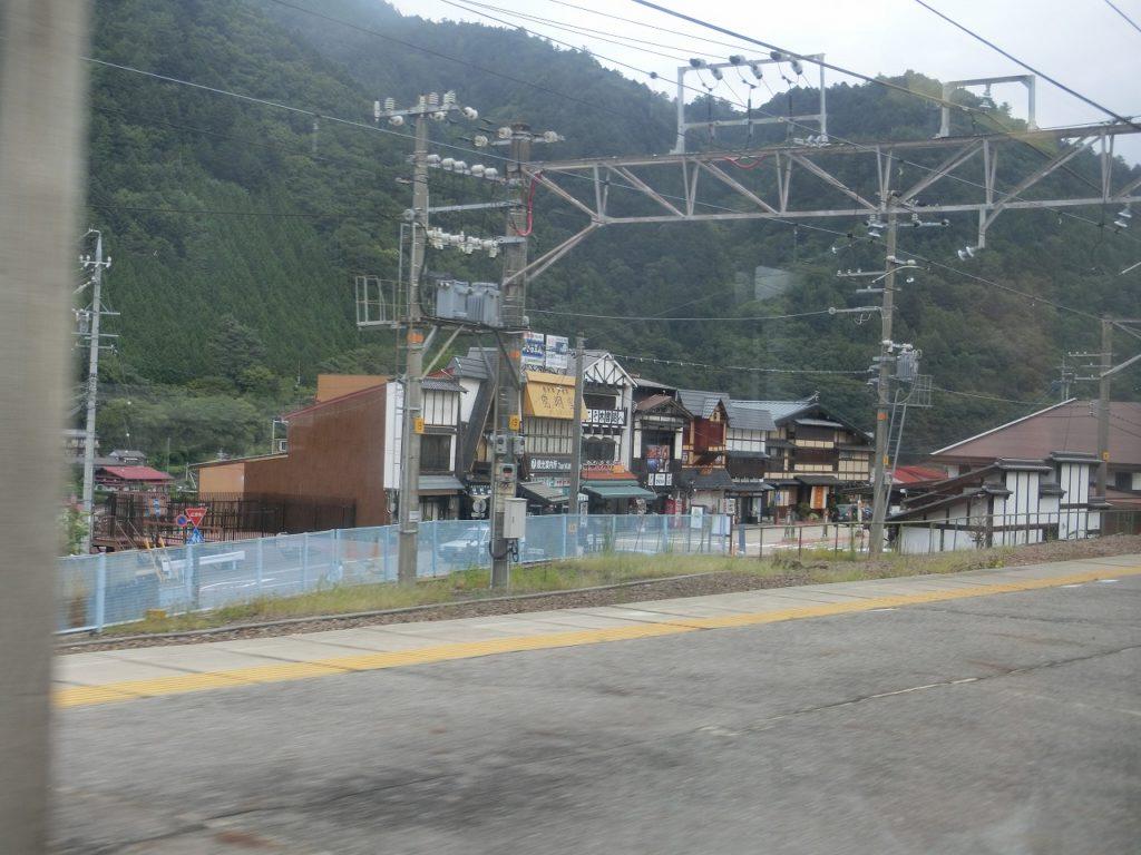 木曽福島駅の駅前