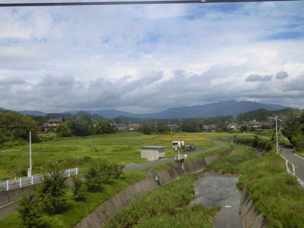 中央本線の中津川付近の車窓