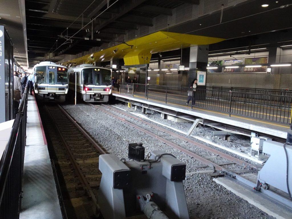 京都駅の山陰本線のホーム