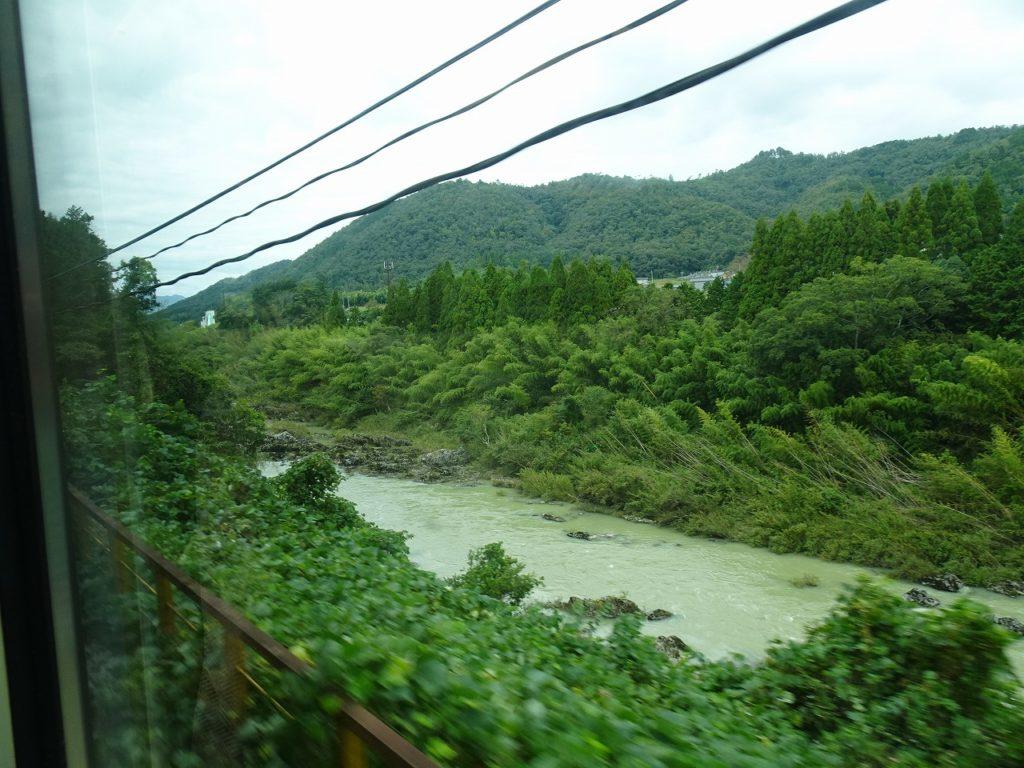山陰本線綾部駅付近の車窓