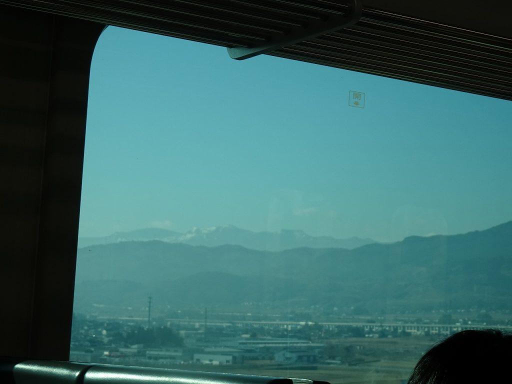 東北本線の藤田駅付近の車窓