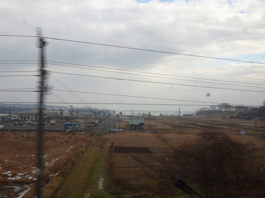 青い森鉄道から望む小川原湖