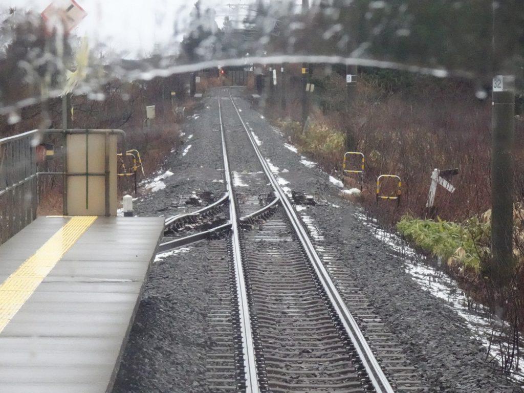 津軽線の途中駅の一線スルー化されたポイント