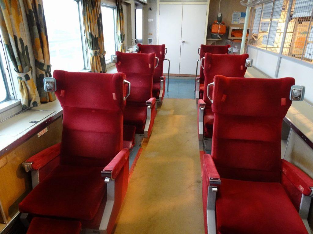 八甲田丸のグリーン座席