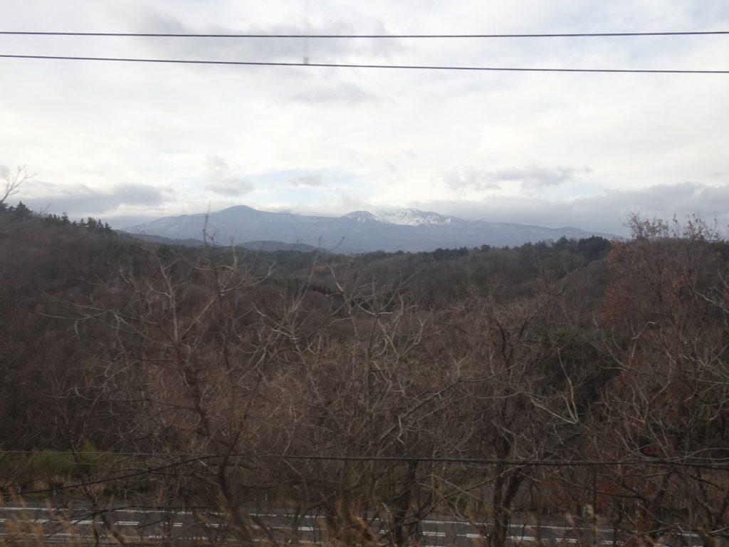 東北本線の吾妻山の眺め