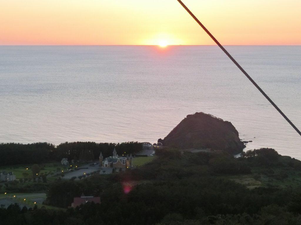 ウェスパ椿山の展望台からの夕日
