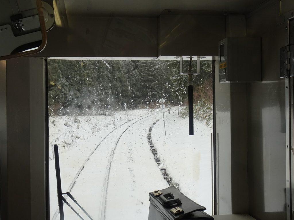 花輪線の安比高原駅付近の車窓