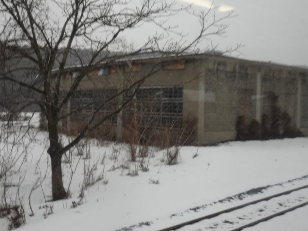 花輪線の荒屋新町駅の機関庫