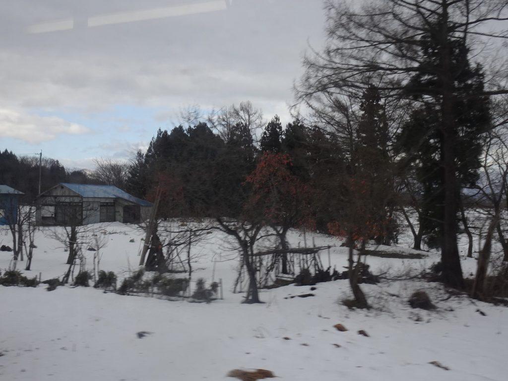 奥羽本線の大石田付近の車窓