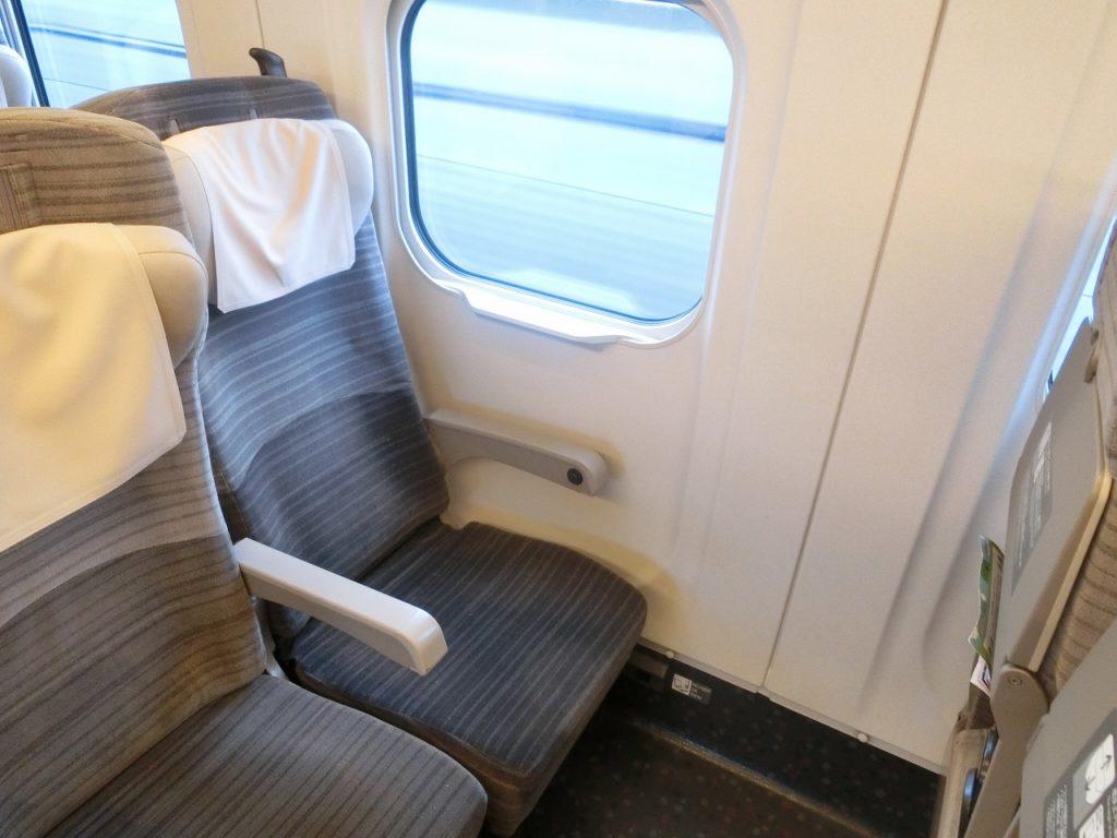 E5系の普通車の座席