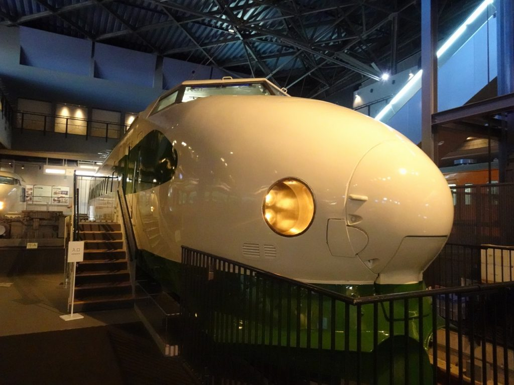 大宮の鉄道博物館に展示されている200系
