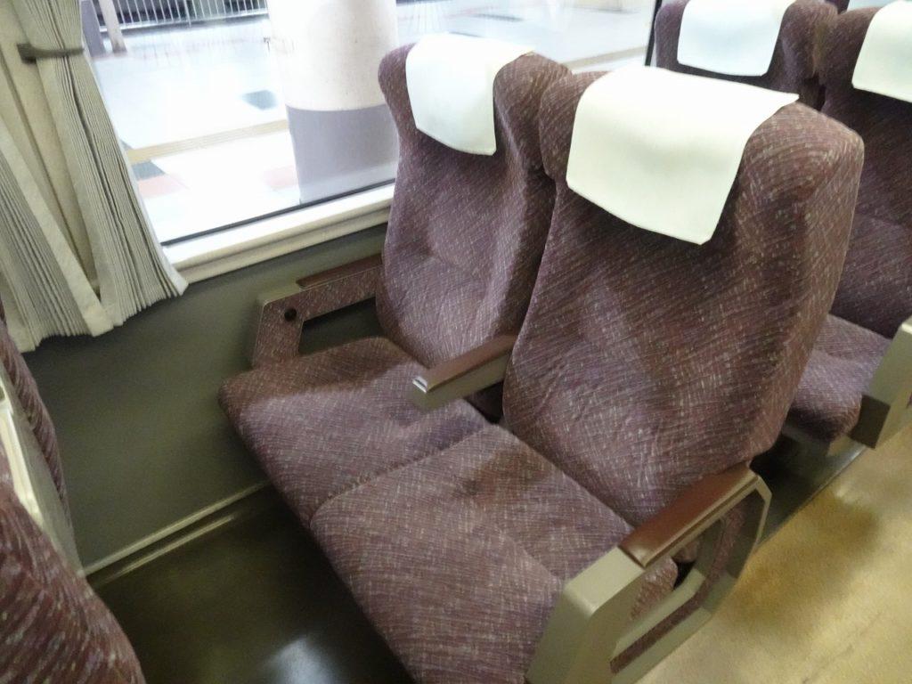 651系の普通車の座席