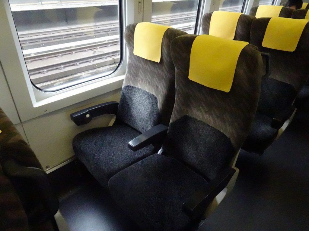 E3系 「こまち」編成の普通車の座席