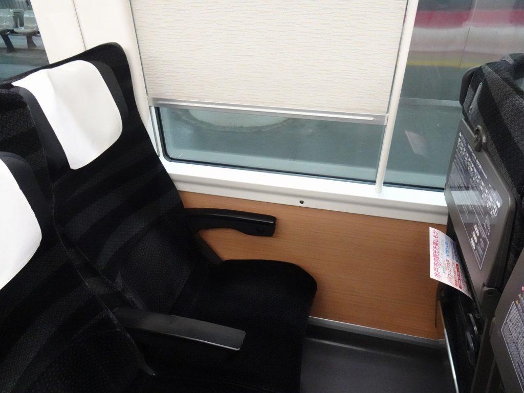 E657系の普通車の座席